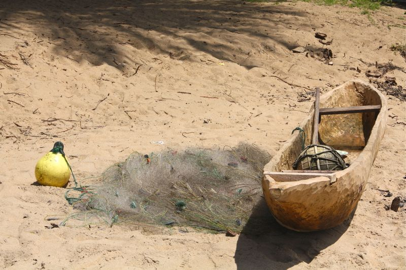 Pirogue and net